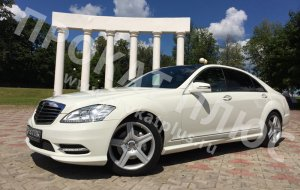Mercedes-Benz S-класса (W221) Long.  Белый мерседес на свадьбу, мерседес 221 на свадьбу.
